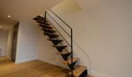 Escalier en fer avec marches en chêne massif