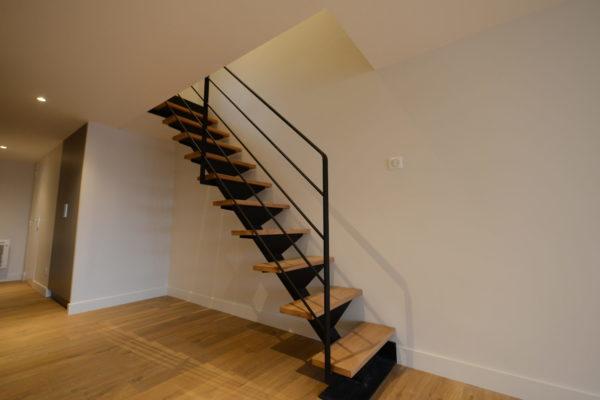 escalier-marches-chene-massif