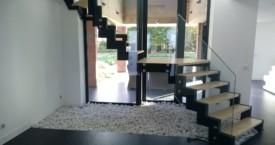 Escalier en Acier avec garde-corps en verre